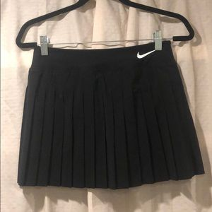 Nike- Black tennis skirt XS